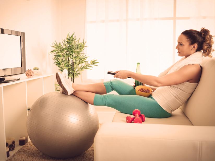 Bauchweg-Gürtel: Sixpack auf der Couch