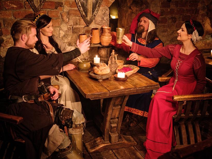 Bier ist Grundnahrungsmittel im Mittelalter